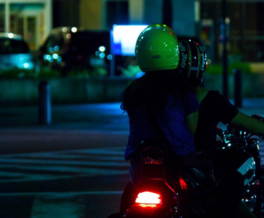 ヘルメットスピーカー